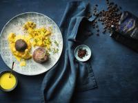 Zweierlei Rindfleisch: Beef Mignon mit Espresso, Sellerie und Edelweiß-Püree / Bildquelle: © Mövenpick Hotels & Resorts