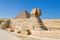 Wer die Sphinx von Gizeh schon nicht erleben kann, der holt sie sich per Reiseführer und Shisha eben nach hause