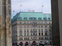Eine Ikone unter den deutschen Hotelbauten: das Adlon; Bildquelle Hotelier.de S. Brennung