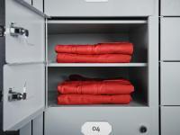 Fachgerechte Aufbewahrung, um die Hygiene der Berufskleidung sicherzustellen. / Bildquelle: Beide DBL - Deutsche Berufskleider-Leasing GmbH