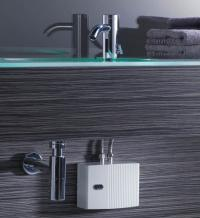 Fürs Handwaschbecken ist der elektronische AEG Klein-Durchlauferhitzer MTE die richtige Lösung, denn er liefert mit 3,5 bis 6,5 kW ausreichend warmes Wasser und spart viel Wärmeenergie.