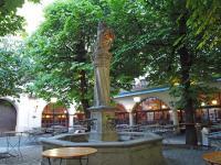 Auch im Innenhof des Hofbräuhauses München kann man jetzt wieder länger als 22:00 Uhr verweilen! / Bildquelle: Hotelier.de