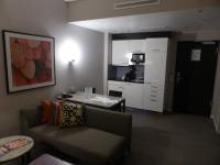 Pantry in einem Frankfurter Adina Apartment; Bildquelle Hotelier.de