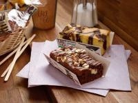 Triple Chocolate (vorne) und Marmorkuchen (hinten)