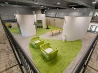 Die Niederlassung von Mektec in Weinheim spielt hier in ihrem innenarchitektonischen Konzept mit ihrer Verbindung zu Japan. Bildquelle Mektec Weinheim