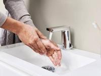 Die berührungslose Bedienung sorgt für maximale Hygiene.