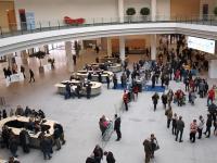Auch diese Herrschaften müssen sich gedulden: Die HOGA Nürnberg 2021 findet erst im Oktober statt  / Bildquelle: Hotelier.de