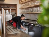 Pay per Wash ist für die Untertischspülmaschinen der UC-Serie verfügbar. / Bildquelle: Winterhalter Gastronom GmbH