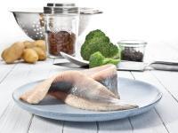 Heringsfilet klassisch: Friesenkrone veredelt den beliebten Seefisch zu abwechslungsreicher Fischfeinkost.
