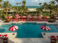 Faena Hotel Pool / Bildquelle: Todd Eberle