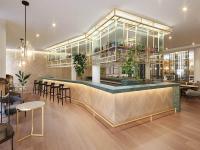 Lichtdurchflutetes Restaurant - Das Restaurant im Adina Hotel Vienna Belvedere ist durch seine offene Architektur und die große Fensterfront lichtdurchflutet.  / Bildquelle: Beide Adina Hotels