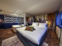 Das Hotel Haarhuis in Arnhem, Niederlande, hat sich als erstes Haus in der Benelux-Region für die WorldHotels Crafted Collection entschieden. Im Bild: eine der Design-Suiten des 127-Zimmer-Hotels.