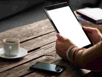 Symbolbild Smartphone und Tablet