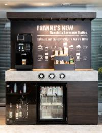 Die Franke Specialty Beverage Station ermöglicht eine Vielzahl hochwertiger Getränkekreationen, jetzt mit zwei verschiedenen, reinen Milchsorten dank Franke IndividualMilk Technology.
