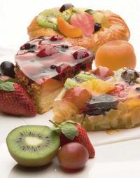 Für Fruchttorten und Fruchtschnitten ist der Geleeguss Klar mit seinem feinen Geschmack optimal. / Bildquelle: Alle Bilder Westfälische Lebensmittelwerke Lindemann GmbH & Co. KG