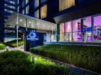 DoubleTree by Hilton Frankfurt Niederrad Eingang / Bildquelle: Alle Bilder Hilton