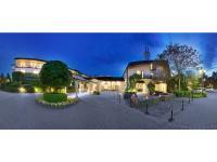 Außenansicht des 4 Sterne Superior Hotels HerzogsPark in Herzogenaurach. / Bildquelle: Beide Hotel HerzogsPark