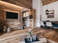 VAYA Ladis 3 Zimmer Apartment Wohnzimmer