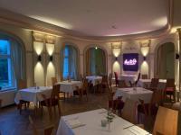 Das Restaurant place to v