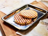 Gebraten schmeckt der Grillkäse besonders lecker