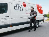 Zu den Kerndienstleistungen des DBL Verbundes gehören Berufskleidung und Fußmatten im Mietservice. Stets inklusive - der Hol- und Bringservice durch geschulte Servicefahrer.