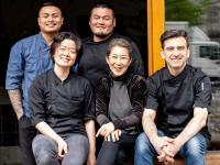 Das Team des Kochu Karu mit Sommelière und Gastgeberin Bini Lee-Zauner und Chef José Miranda Morillo begrüßen Sie ab Freitag, 23.7.2021 wieder! / Bildquelle: Restaurant Kochu Karu