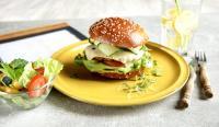 BB-Brezel-Brioche Burger mit Sesam