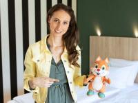 Tabea Schalkowsky, Head of Marketing ACHAT Hotels mit ECHTI / Bildquelle: © ACHAT Hotels
