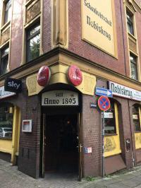 Kämpft auch mit Entscheidungen - der Nobiskrug auf St. Pauli. Wer deutschen Kneipen-Seeligkeit liebt, ist hier genau richtig, Bildquelle Hotelier.de