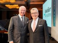 Für sein Lebenswerk wurde Joachim Marusczyk (rechts) beim Deutschen Hotelkongress in Berlin mit dem