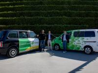 (v.l.n.r.) Erol Norman (Taxi Ruf), Jens Ihsen (Düsseldorf Convention) und Abdel Lakbir (CleverShuttle) / Bildquelle: Düsseldorf Convention