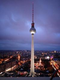 Der Berliner Fernsehturm guckt in die Richtung des Premier Inn Hotels am Alexanderplatz ;-) / Bildquelle Hotelier.de