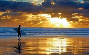 Surfen auf Neuseeland - immer der Welle nach