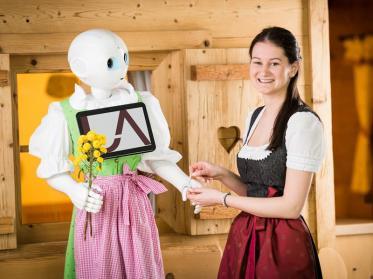 Hotel Übergossene Alm Resort setzt auf humanoiden Roboter