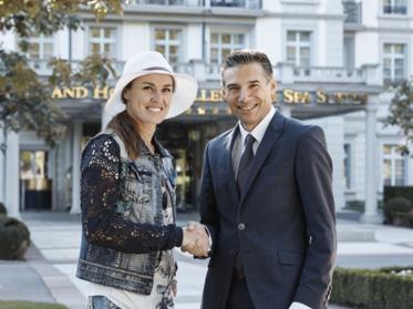 Martina Hingis schlägt als Ambassador auf