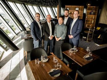 QOMO Restaurant im Düsseldorfer Rheinturm ist offiziell eröffnet