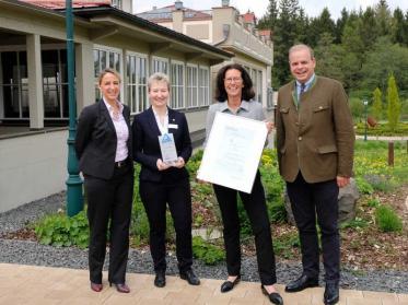 Gute Arbeitgeber wie Ritter von Kempski werden vom TÜV Rheinland ausgezeichnet