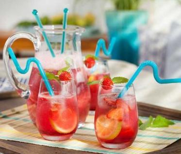 Erdbeerbowle Rezept mit Sekt zum schnellen Nachmachen