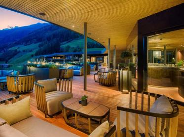 Exklusives Spa-Erlebnis for adults only im AMONTI & LUNARIS in Südtirol