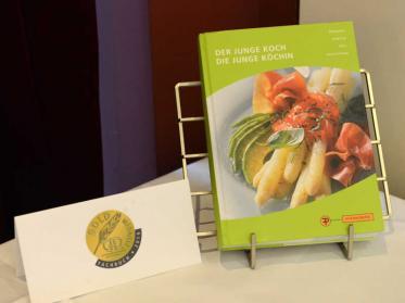 Bestes Buch der Kategorie Fachbuch beim 53. Literarischen Wettbewerb 2019: Der junge Koch/Die junge Köchin