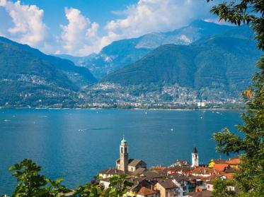 Die beeindruckende Hotellandschaft am Lago Maggiore