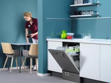 Hygienisch spülen in Restaurants und Betrieben