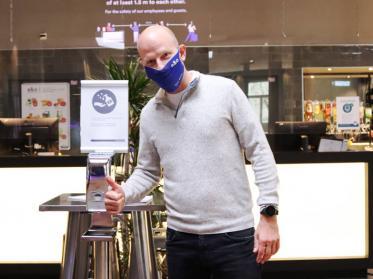 a&o klagt gegen Beherbergungsverbot in Hamburg