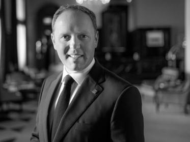 Matthias Kienzle wird Hoteldirektor in Bergisch-Gladbach