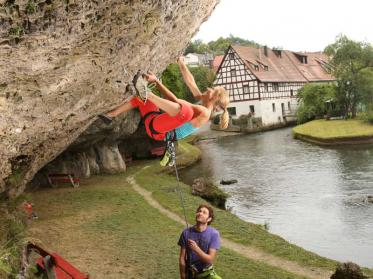 Klettern im Frankenjura: Anfänger und Könner sollen naturverträglich Sport treiben