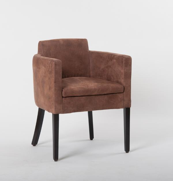 sch ner sitzen auf st hlen von schnieder. Black Bedroom Furniture Sets. Home Design Ideas