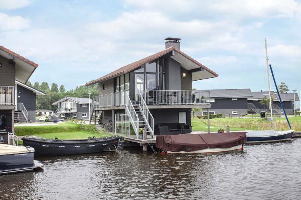 ferienhaeuser mit bootssteg  waterpark sneekermeer