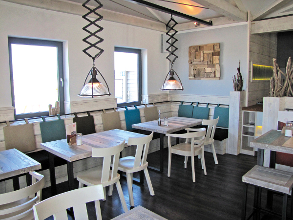 Einrichtungsbeispiel mit kultfaktor strandbar 54 grad for Design hotel 54 nord