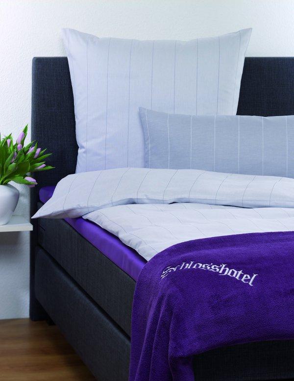 w schekrone neues boxspring bett neue bettw sche serie. Black Bedroom Furniture Sets. Home Design Ideas