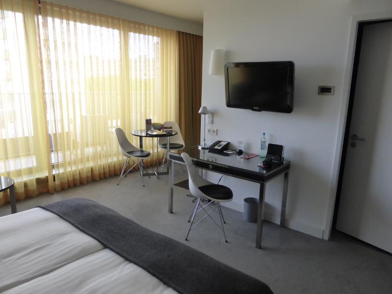 mystery check im adina apartment hotel berlin hackescher markt. Black Bedroom Furniture Sets. Home Design Ideas